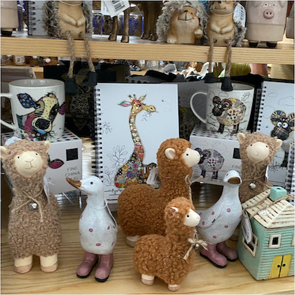 Animal ornaments and toy gifts