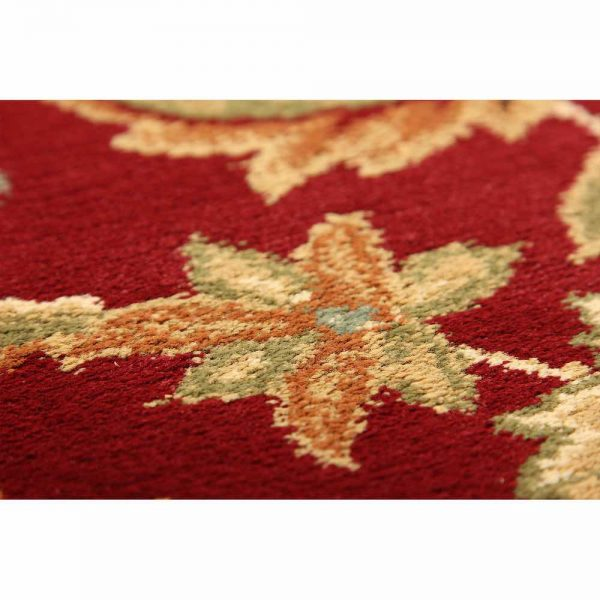 Kendra 45M Red Traditional Rug close-up